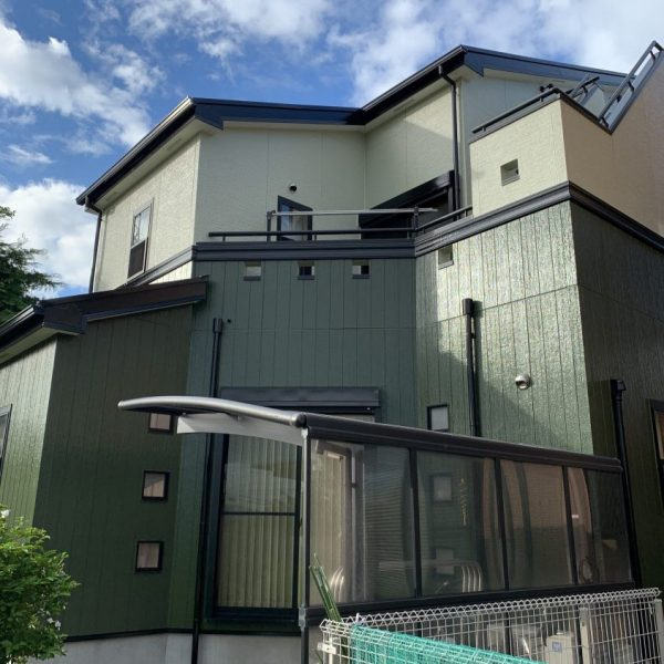 i様邸外壁・屋根・付帯部・ベランダ防水・シーリング・塗装工事