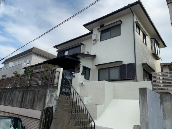 藤沢市s様邸外壁屋根付帯部塗装部分大工工事